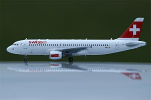 A 320  Revell 1:144